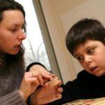 Ini Cara Memahami Dunia Autis Anak